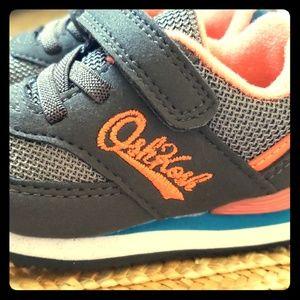Oshkosh Size 4 Shoes